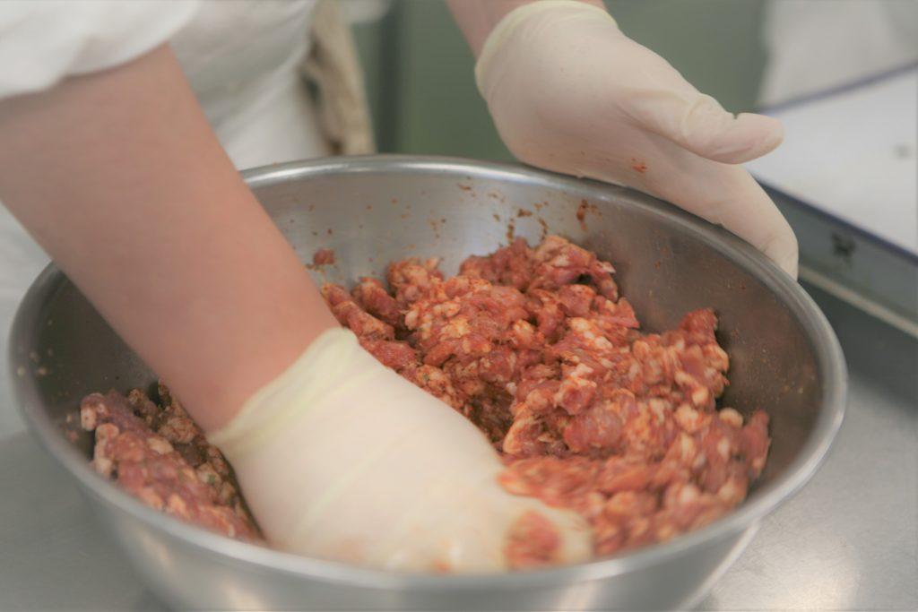 食品加工産業セミナー(ソーセージ作り)