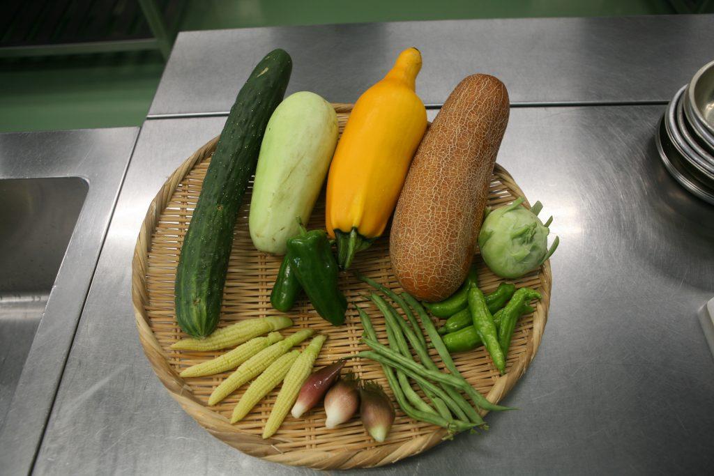 寿司で野菜をにぎってみました!